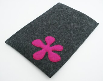 Kindle, Nook, Kobo and Galaxy Sleeve with Pink Flower - Portrait - Charcoal