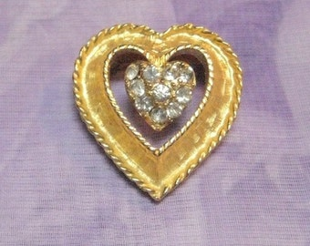Vintage Rhinestone and Gold Filigree Heart Pin - Brooch