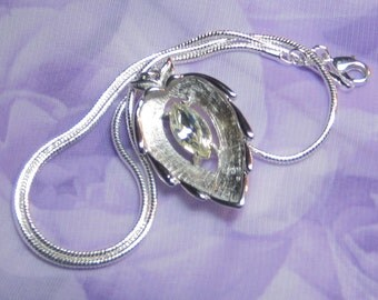 """Vintage Sarah Coventry """"CRYSTAL NAVETTE"""" Pendant on 925 Sterling Chain"""