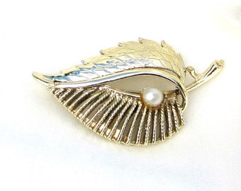 Vintage Gold Plated Leaf Pin with Faux Pearl Designer Brooch