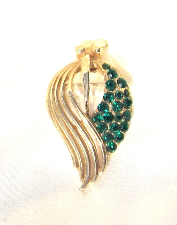 Gorgeous Vintage Coro Brooch, leaf Pin with Green Rhinestones
