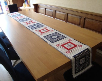 table runner red-white-blue
