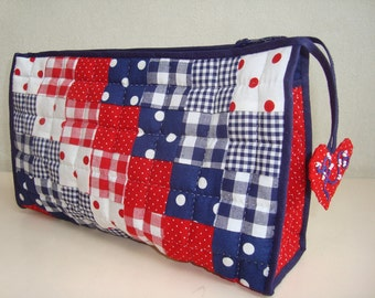 beauty case red white and blue