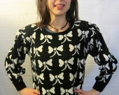 Vintage 80s Super Cute BOW Sweater