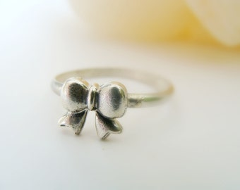Tiny Bow Silver Ring - Sterling Silver Metalwork Ring - Stackable Bow Ring Silver - Bow Stack Ring Sterling Silver