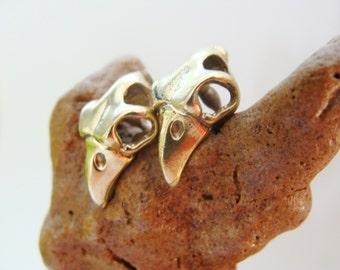 Bird Skull studs - Bronze Raven Skull Earrings - Unisex jewelry - Unisex studs post earrings
