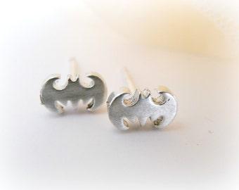 Baby Bat Silver Earrings - Halloween Sterling Silver Bat Earrings - Batman Silver Earrings - Vampire Sterling Silver - cartilage earring 925