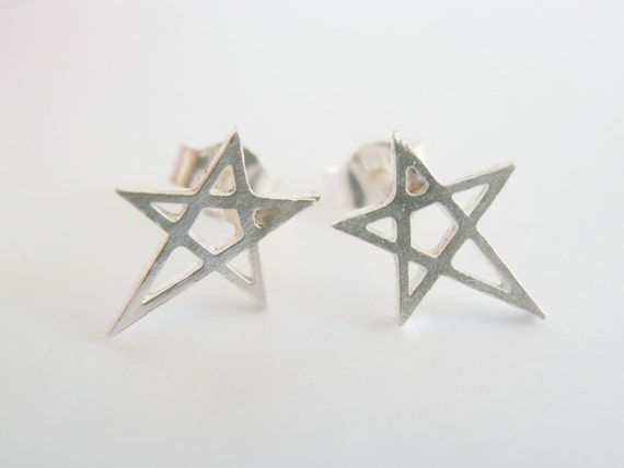 Geometric Star Earrings Sterling Silver - Sterling Silver Tiny Pentacle Studs - Multiple piercing - Cartilage Earring - Tragus Earring