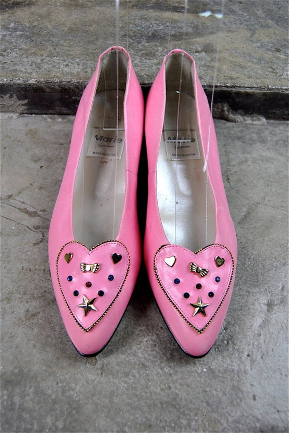 vintage shoes, 1980's pink leather KAWAII kitten heels, studded heart pointed toe, size