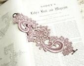 lace bracelet cuff -NONI- smokey mauve
