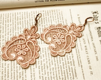 lace earrings - DARLA - vintage blush