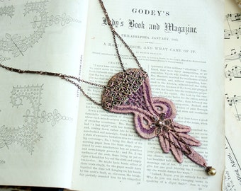 lace necklace -WAKI- ombre mauve sparkle