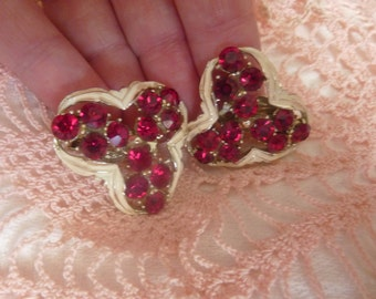 Vintage Marilyn Hollywood Era Ruby and White Enamel Clip on  Earrings 1950s - Gorgeous