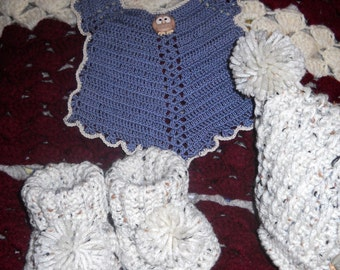 3 Piece Gift Set with Pom Pom Hat, Booties & Coordinating Bib Baby Shower Gift Set