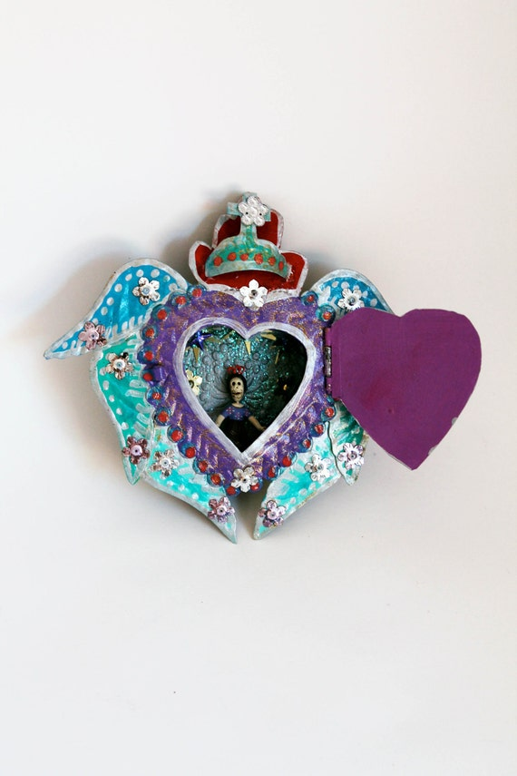 Mexican winged sacred heart tin nicho with heart door and shadow box // Frida Kahlo // Day of the Dead // whimsy cute unique angel
