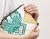 Geometrical Illusion Printed  Leather Pouch  Green No. ZP-203