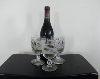 On Sale Vintage Libbey Silver Leaf Wine Glasses Set 3 Online Vintage Vintage Clothing Vintage Dress Home Accents Vintage Online