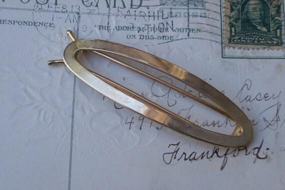Vintage gold tone oval barrette