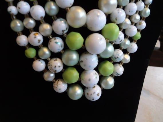 Classy Bird Egg Bib Necklace / Speckled / Green - White