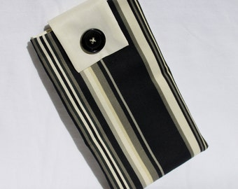 CLEARANCE SALE E-Reader Kindle Sleeve Padded-Black & White Striped Pattern