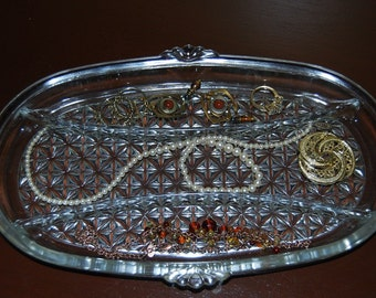 Oval Diamond Pattern Relish Tray