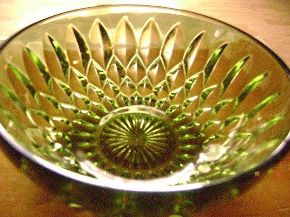 Green Indiana Glass Mount Vernon Pattern Bowl