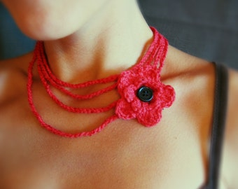Gentle Red Crochet Necklace with Flower in red with black button