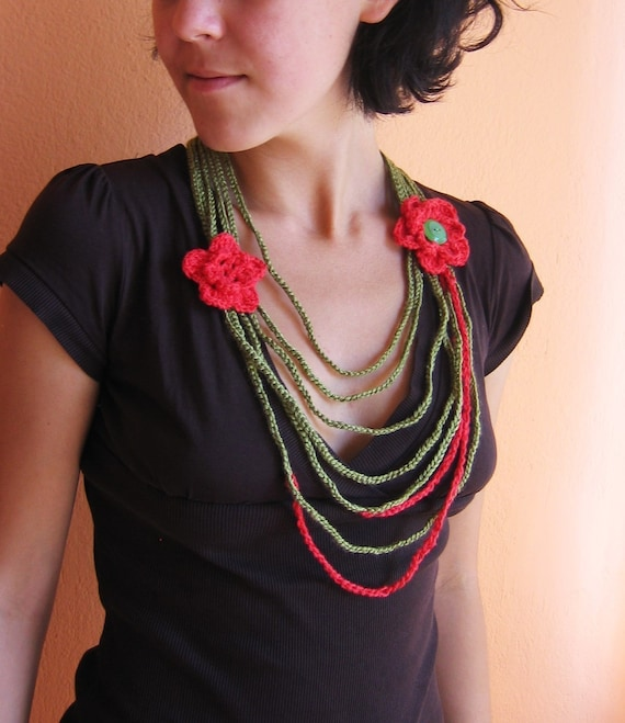 Green a Red   Crochet Necklace with Flowers  with two red flowers