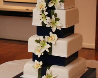Custom Cake Stand With Support System for Cakes