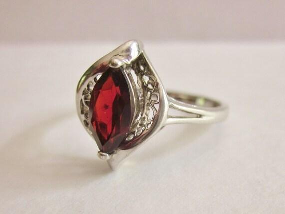 Sterling Silver .925 Garnet Ring