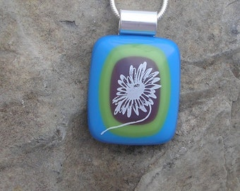 Spring Daisy Necklace Fused Glass Daisy Pendant