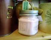 Honeysuckle Jasmine 8 oz Soy candle in a Mason Jar with Daisy Lid