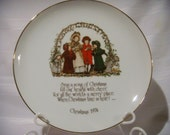 Holly Hobbie Christmas Collector's Plate 1974, Christmas Home Decor, Holiday Decoration, Collectible Christmas Decor