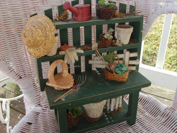 SALE......Sweet Li'L Garden Potting Bench   Picket Fence   Trellis      Shabby  Chic