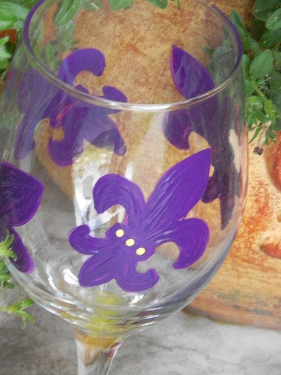 LSU fleur de lis Wine Glass