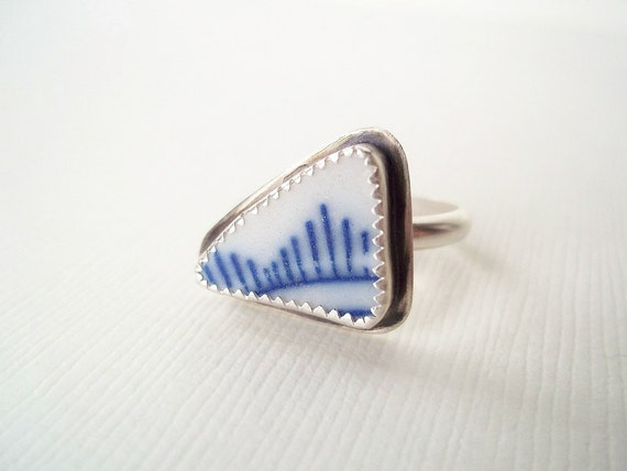 One of a Kind Jewelry. Sterling Silver Ring with Broken China. Ready to Ship Jewelry