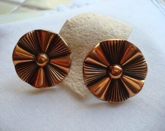 Button Vintage Earrings in Copper