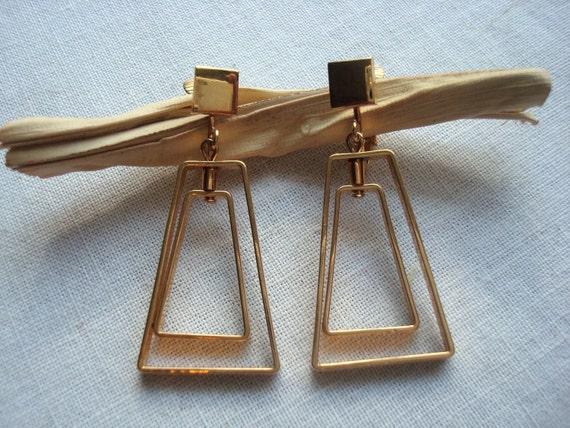 Vintage Spectator Gold Tone Clip Earrings by Avon