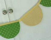 Cheerful Green/Yellow Double-Sided Scalloped Fabric Bunting (Pennant)
