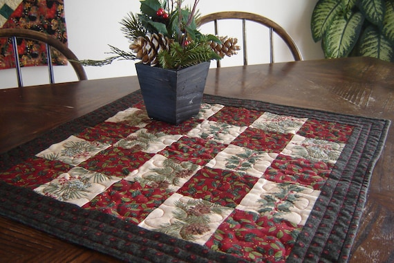 Christmas Quilted Table Runner Red & Green CIJ
