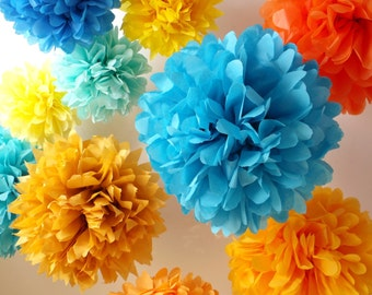12 LARGE tissue paper pompoms .... choose your colors ... wedding decor // birthday party decorations // photography props
