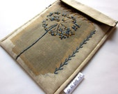 Kindle sleeve - Paperwhite -Touch case - hand embroidered - queen anne's lace - dandelion french knots - blue brown woodland - fabric gadget