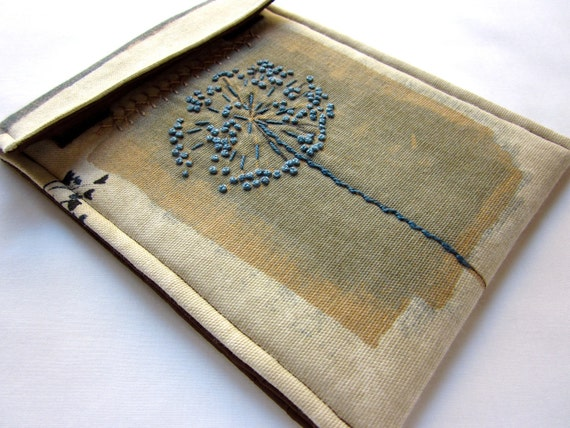 Kindle sleeve, Kindle Touch case - hand embroidered cover - queen anne's lace - blue and brown woodland - quilt lined slim design