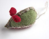 Green Christmas Catnip Mouse from recycled thrift store sweaters, Holiday Gift Box included