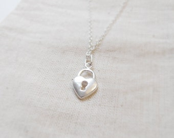 Tiny heart lock (necklace) - Tiny sterling silver charm