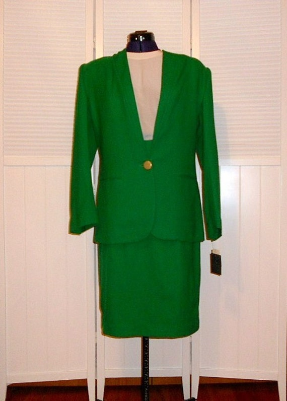 Women's Suit Green Vintage Size 8 NWT expensive Jacket