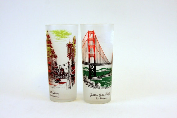 Retro Glasses of Golden Gate Bridge and Chinatown. Collectable Drinking Glasses of San Francisco