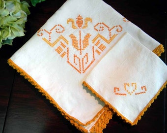 Embroidered Tablecloth and One Napkin - Beautiful Vintage Linen Cross Stitch 3575