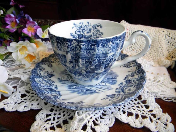 One Johnson Bros Coaching Scenes Bone China Teacup Tea Cup and Saucer 3738