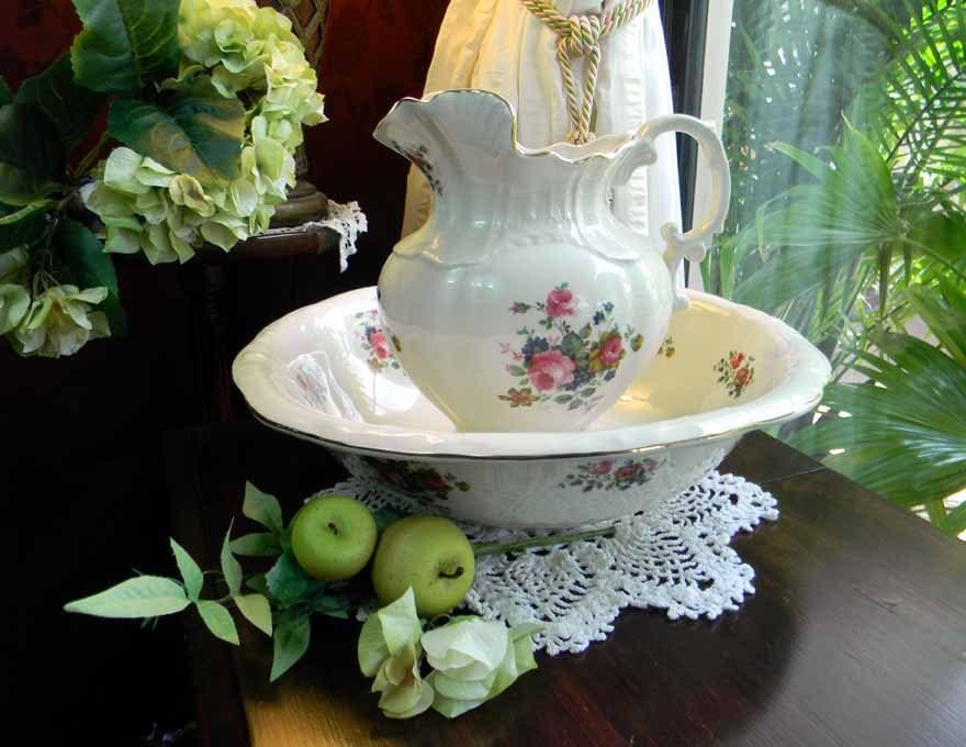 vintage large pitcher jug and bowl wash basin maryleigh. Black Bedroom Furniture Sets. Home Design Ideas